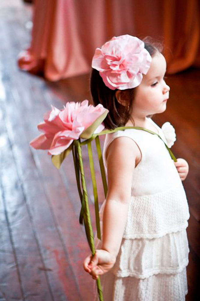 9a92f2f90 Harsanik - 11 Alternatives To Flower Girl Baskets