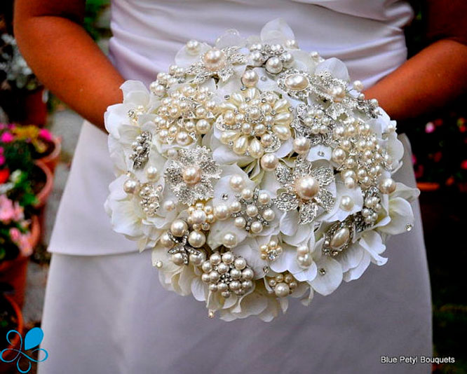 Harsanik 7 diy bridal bouquet ideas jeweled bridal bouquet junglespirit Gallery