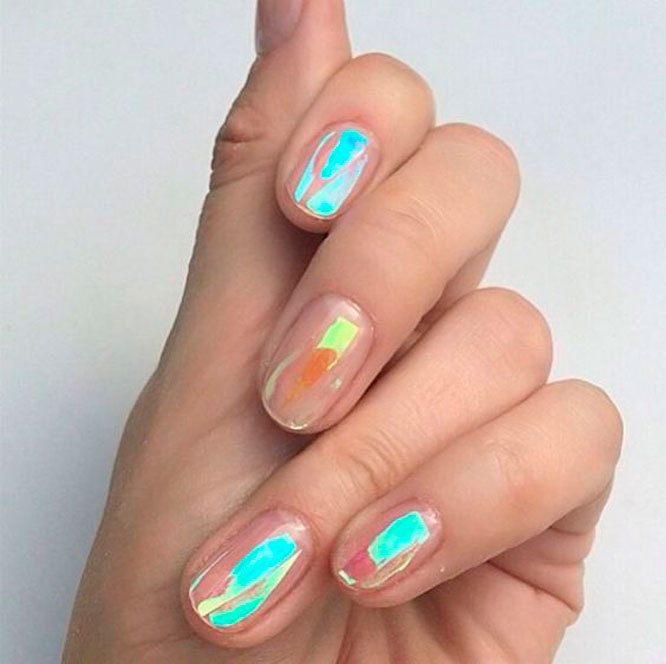 Holographic Colors