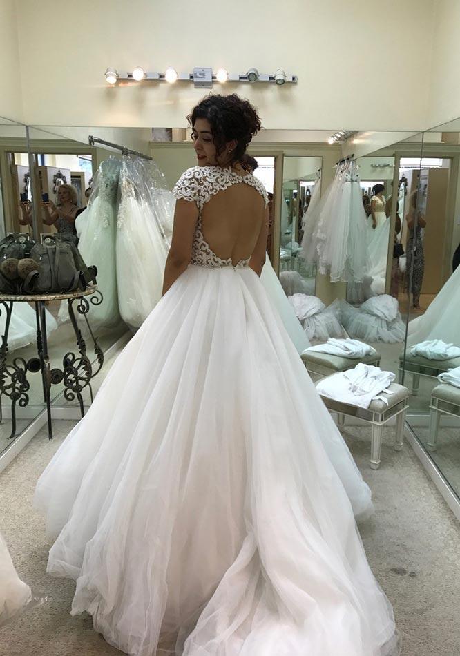 Harsanik - Manifa\'s Story: My Wedding Dress
