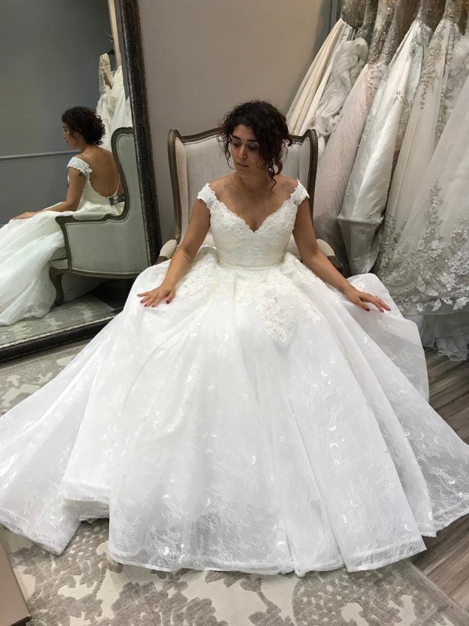 Großartig Find Me A Wedding Dress Galerie - Brautkleider Ideen ...