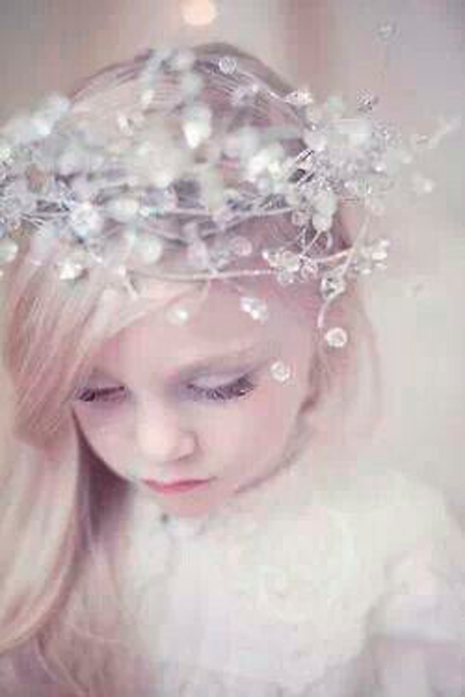 Winter wedding inspiration for flower girls